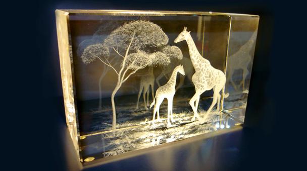 Как делают гравировку на стекле